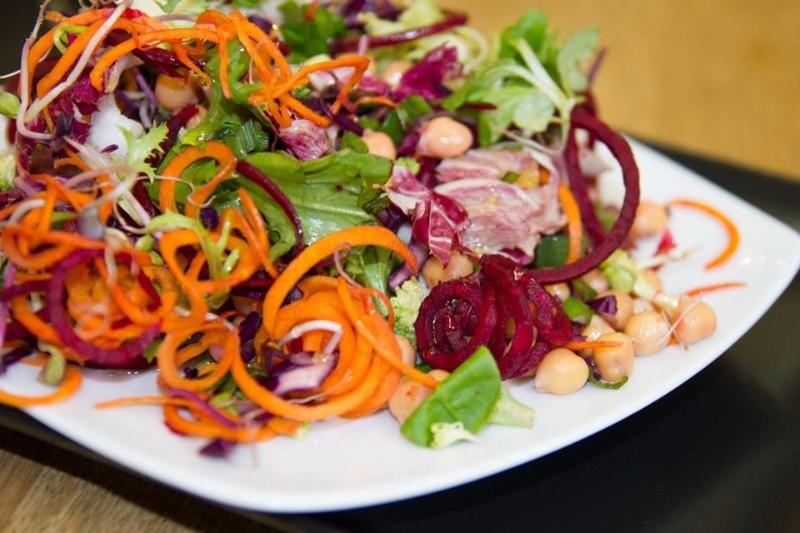 delicious-raw-salata