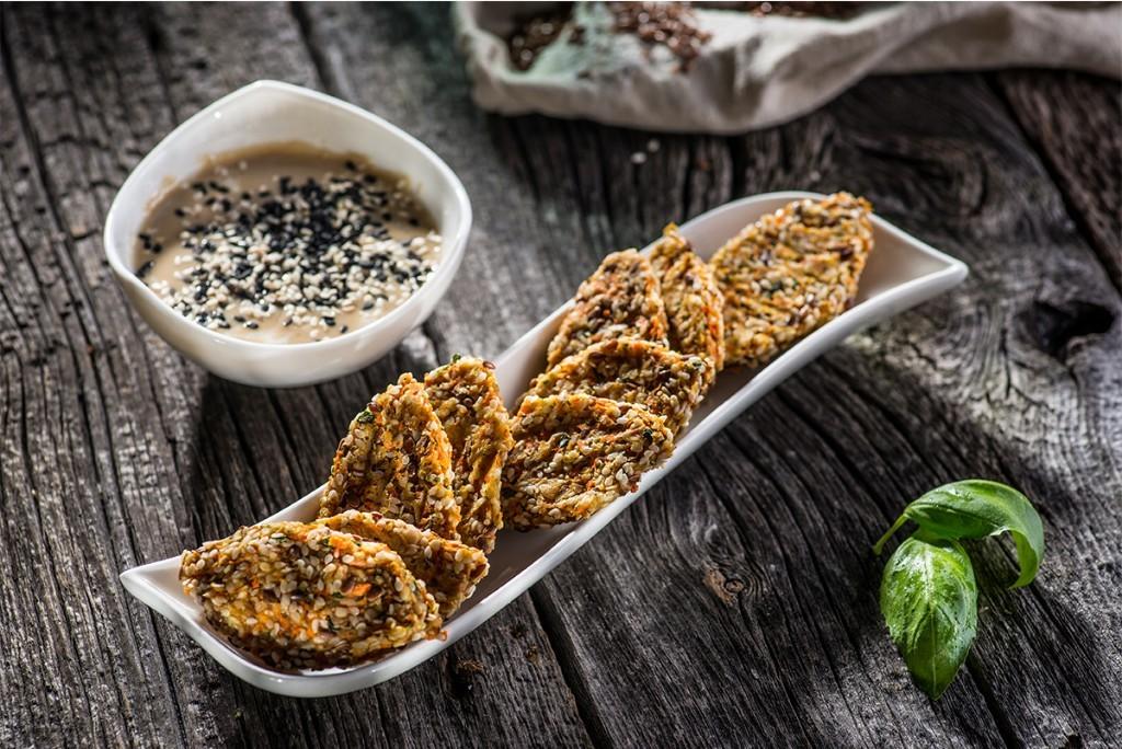 Falafel-cu-sos-de-caju-si-tahini