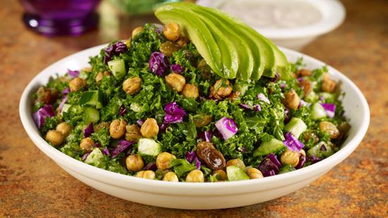 salata-kale-cu-avocado