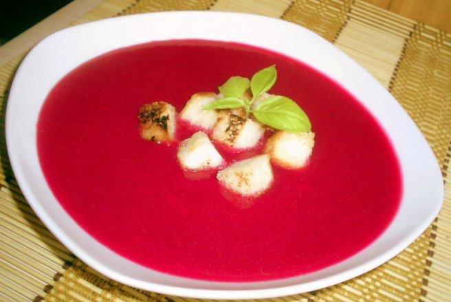 D17/P-Supa crema cu sfecla, cartofi, mere