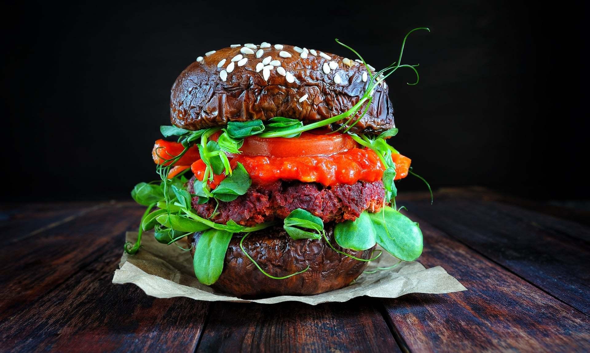 Burger și Cârnăcior Vegetali